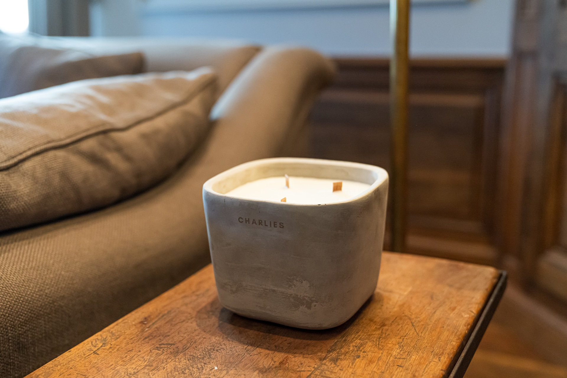 Square concrete scented candle clsoeup